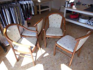 Přečalounění židlí, i s renovací dřeva