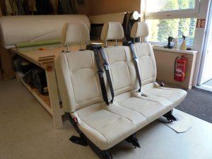 Zadní sedadlo do užitkového automobilu